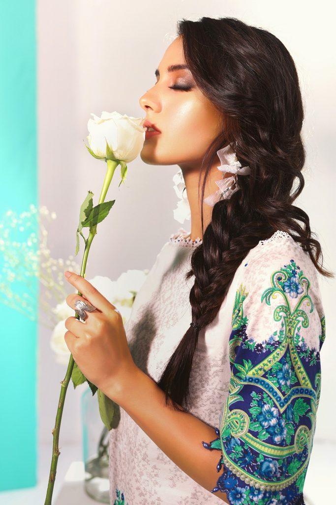 Latest Photoshoot Of Iqra Aziz For Alkaram Studio