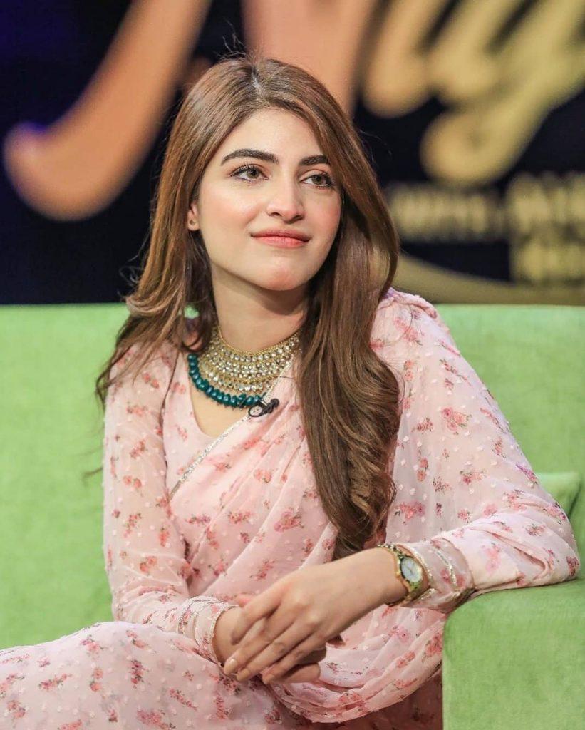 Kinza Hashmi Looks Pretty In Gorgeous Saree