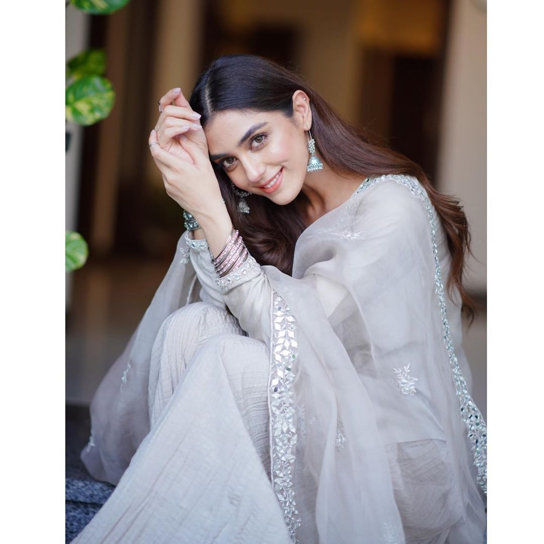 Actress Maya Ali is Looking Gorgeous in her Latest Pictures