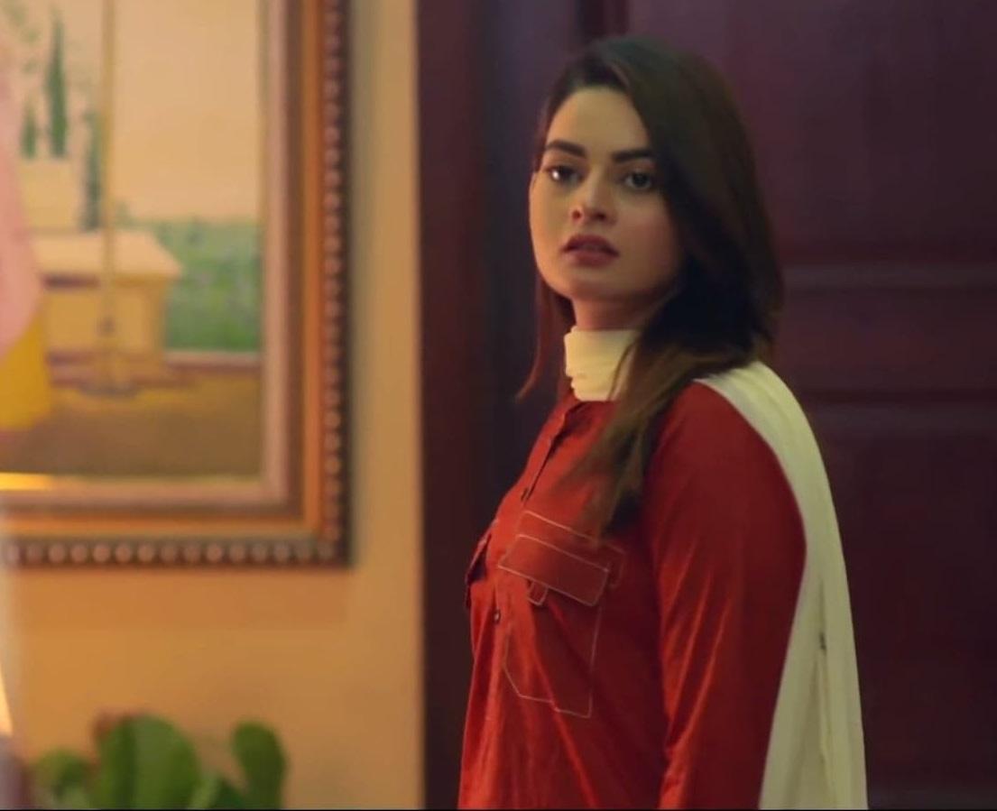Minal Khan 3 15