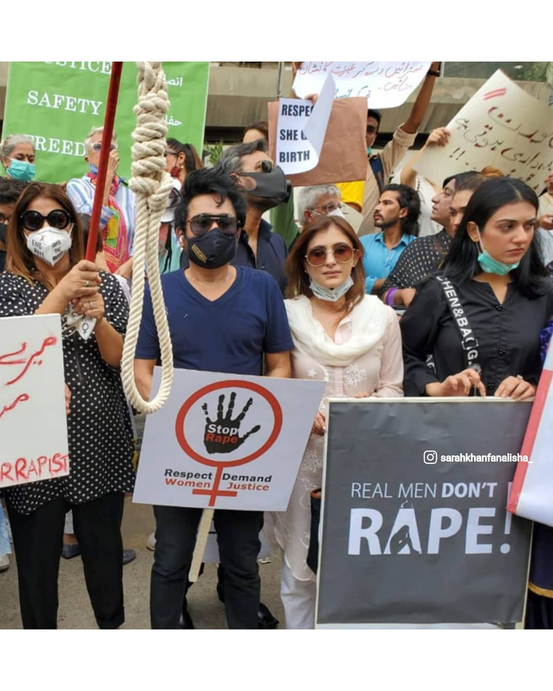 Mahira Khan, Ayesha Omar, Sarah Khan And Others Attend Protest For Motorway Case