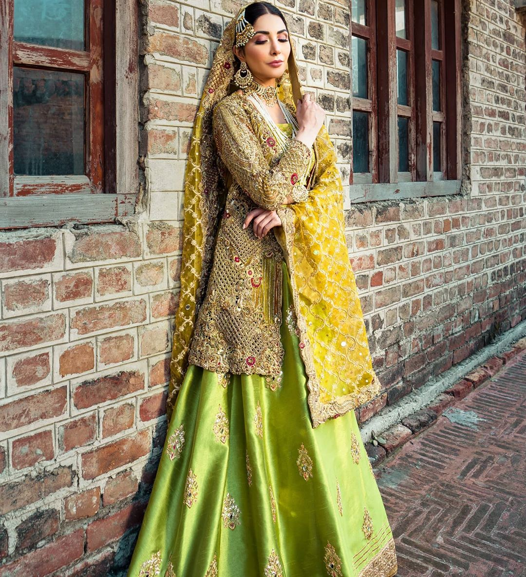 Sabeeka Imam Looks Undeniably Gorgeous In Bridal Dresses By Mahreen Gul 4