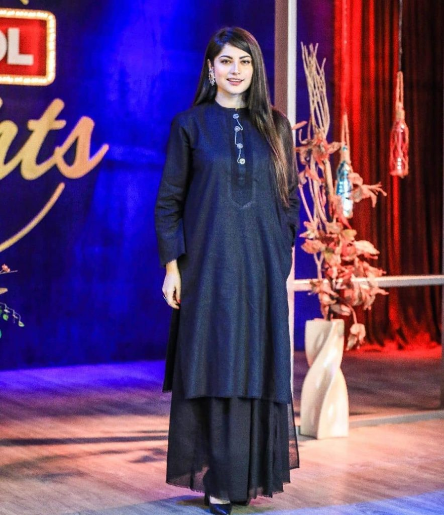 Stunning Pictures Of Neelum Munir From The Sets Of Bol Nights 6