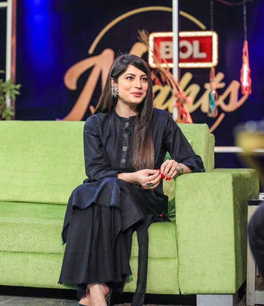 Stunning Pictures Of Neelum Munir From The Sets Of Bol Nights 7