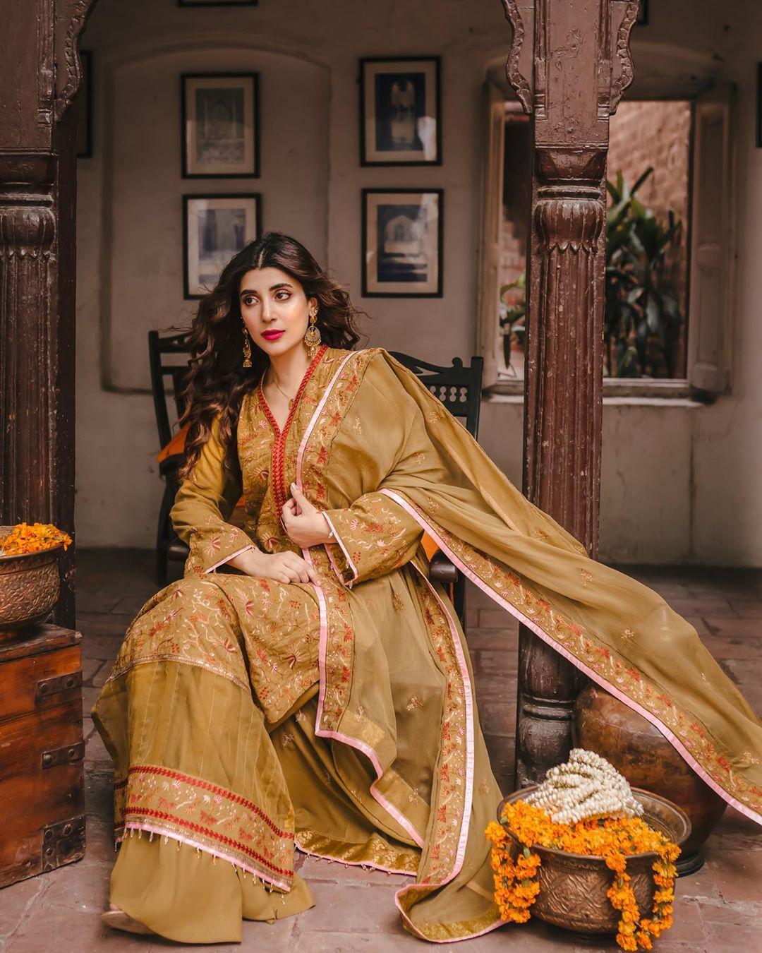 Urwa Hocane Latest Beautiful Photo Shoot for Raaya