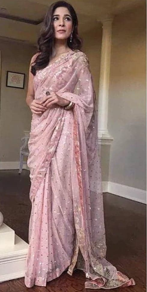 Lollywood Divas Giving Their Stamp Approval To Saree