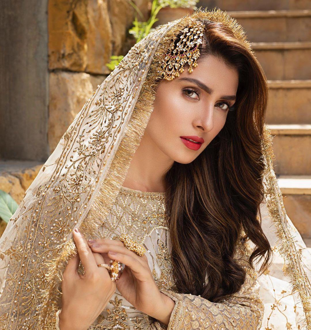 Best Bridal Looks For This Wedding Season