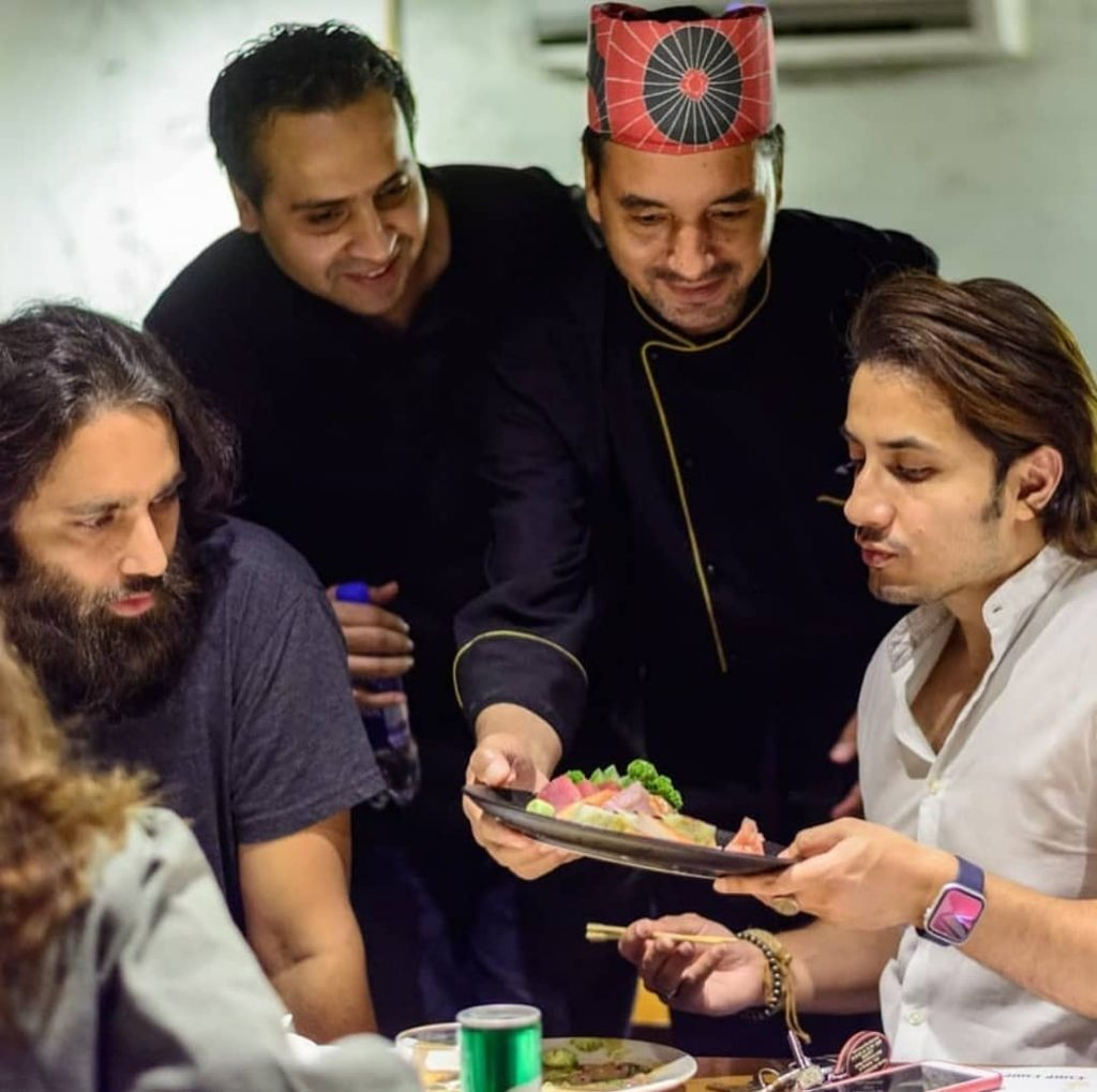 Ali Azmat Spotted With Ali Zafar and Asim Azhar - Seems Lovely