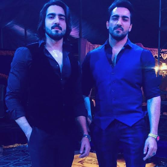 Pakistani Celebrities Who Have Identical Twins