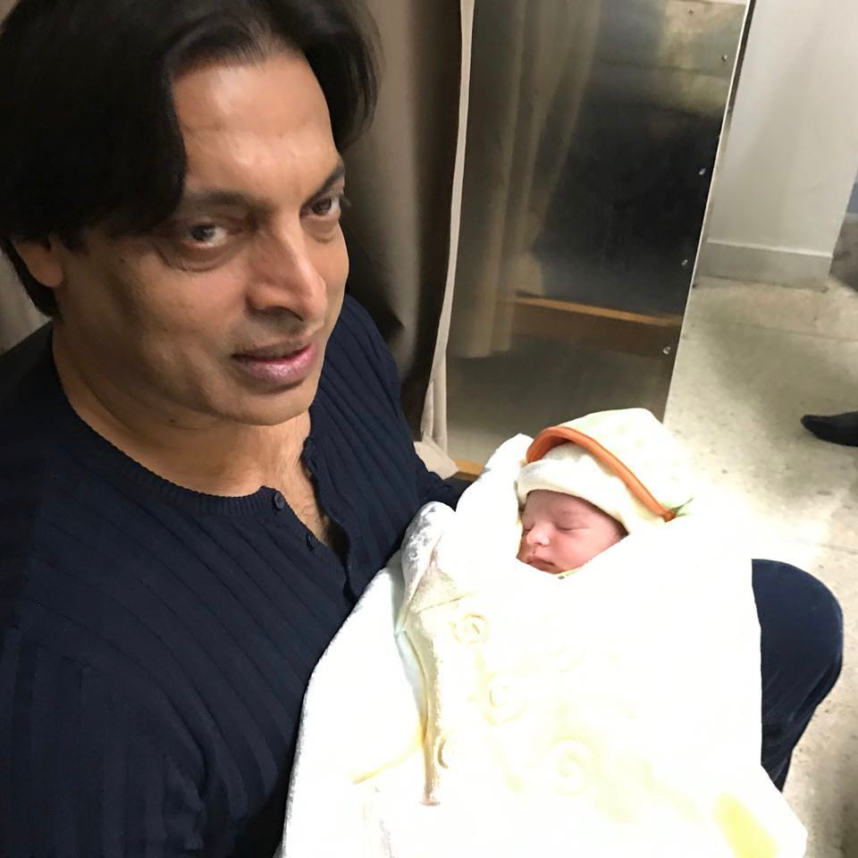Shoaib Akhtar Shares Recent Pictures With His Sons