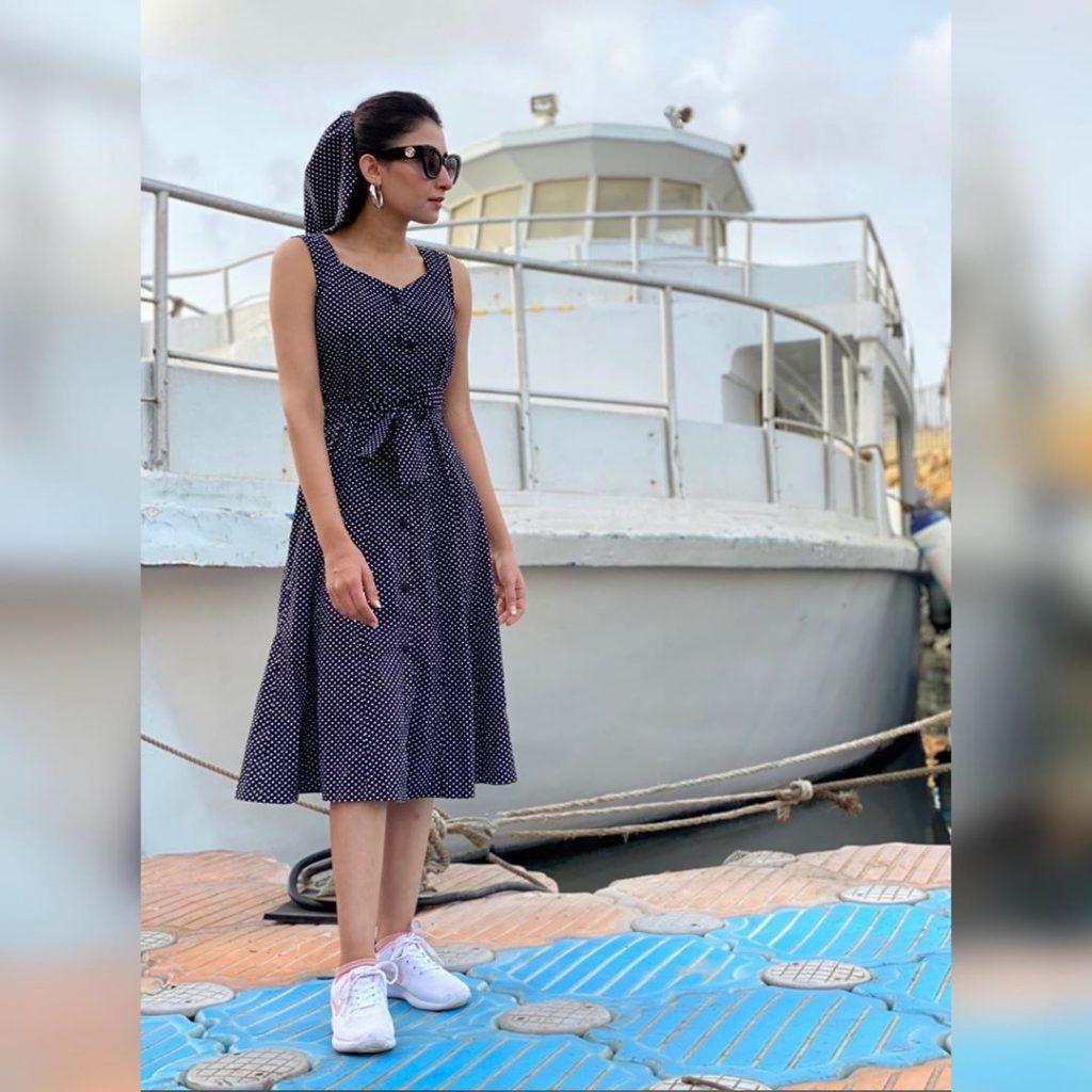 Alia Khan The Vocalist Of Pyaar Kay Sadkay Having Vacations In Sri Lanka