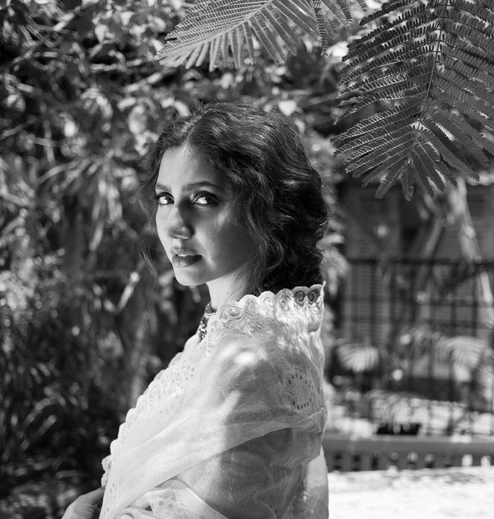 Angelic Photos of Mahira Khan - Latest