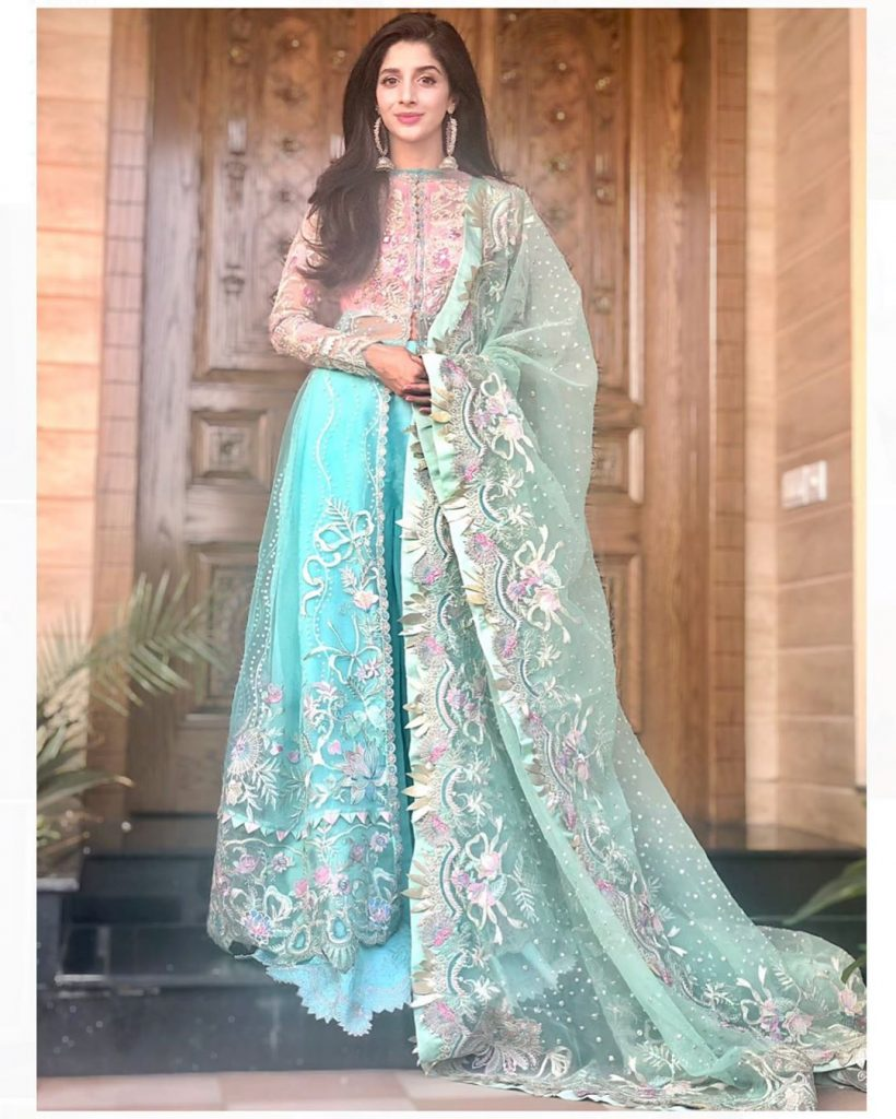 Flawless Pictures of Mawra Hocane Reflecting her Glowing Skin