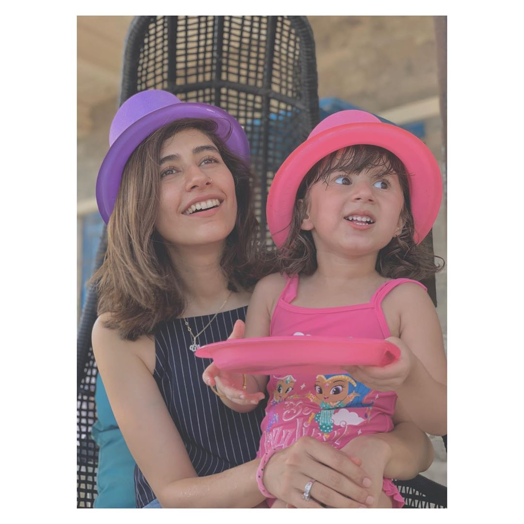 Syra Yousaf Beautiful Recent Clicks with her Daughter Nooreh