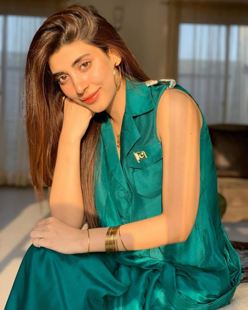 Urwa Shared A Hilarious Incident With Imran Ashraf From The Set Of Mushk