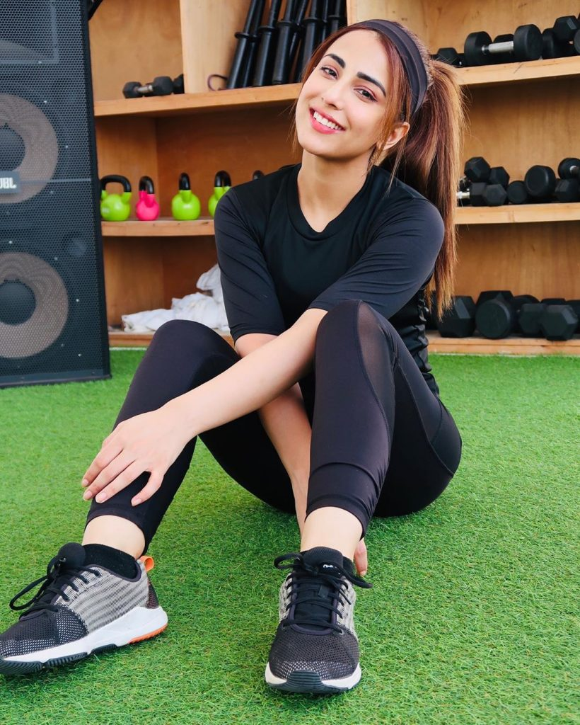 Ushna Shah Shared Her Hair Growth Secret