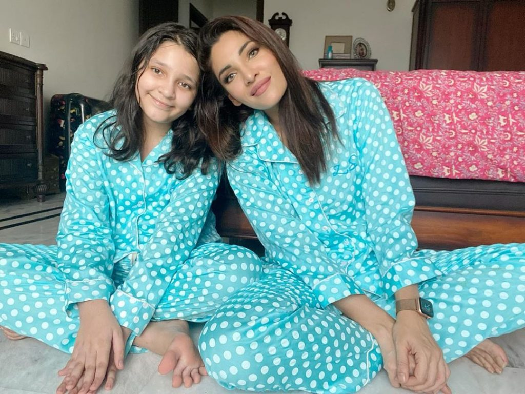 Recent Pictures Of Zhalay Sarhadi With Her Daughter