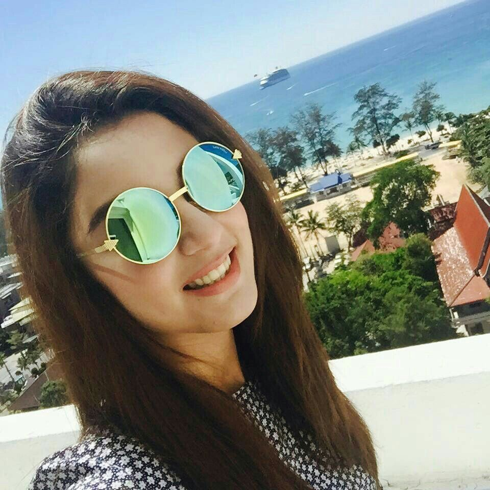 Exclusive Collection of Maya Ali Photos with Sunglasses