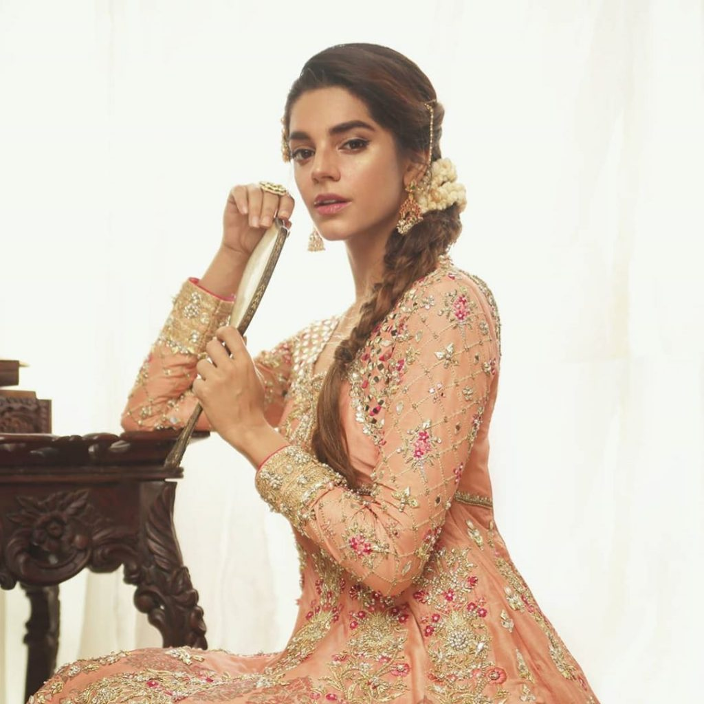 30 Pictures of Sanam Saeed and Her Jewellery Collection