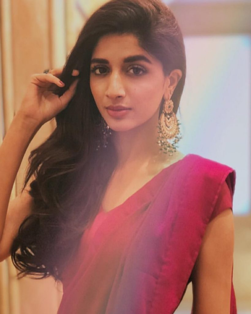 20 Beautiful Pictures Of Mawra Hocane In Red Dress