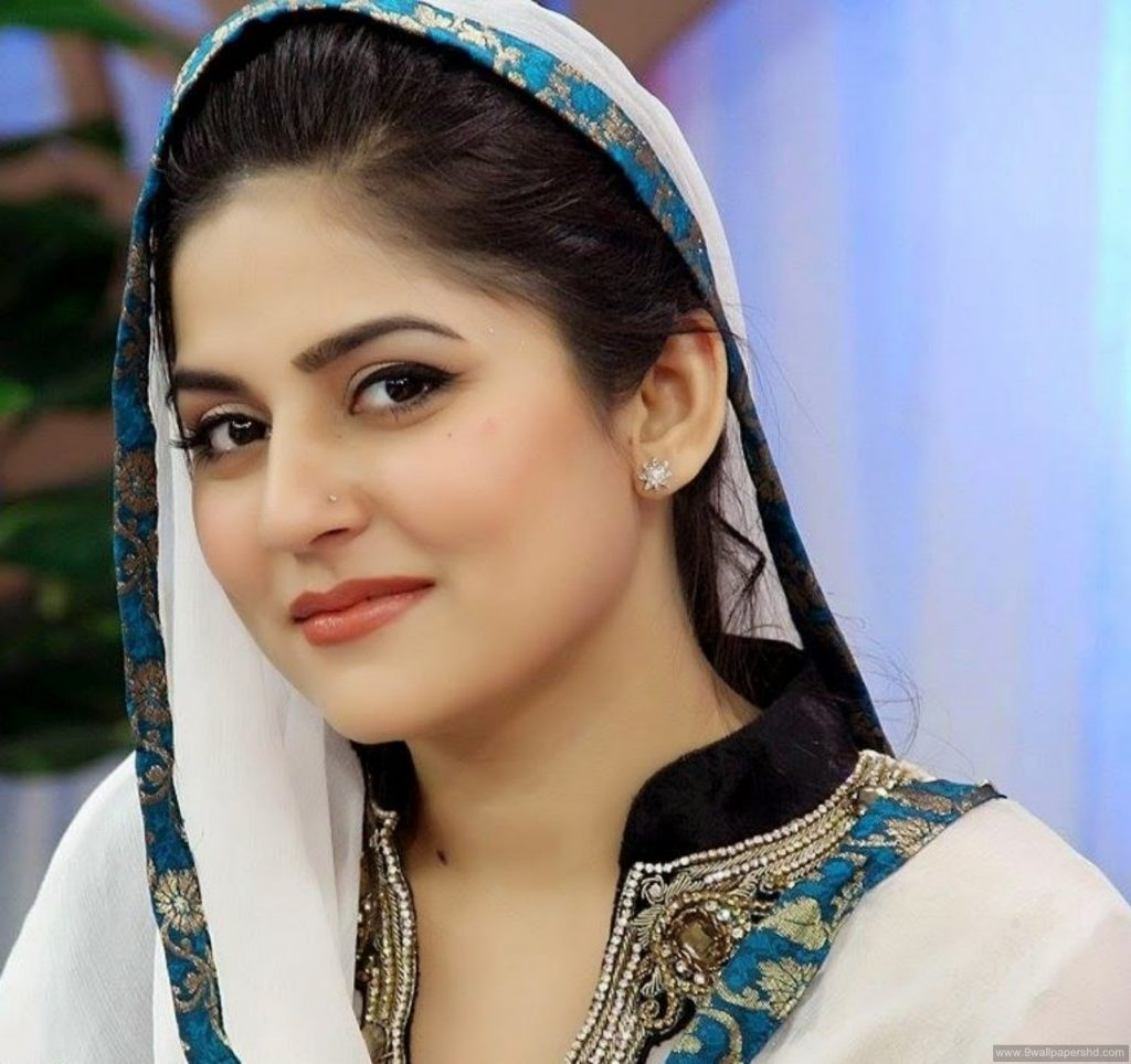 30 Beautiful Pictures Of Sanam Baloch