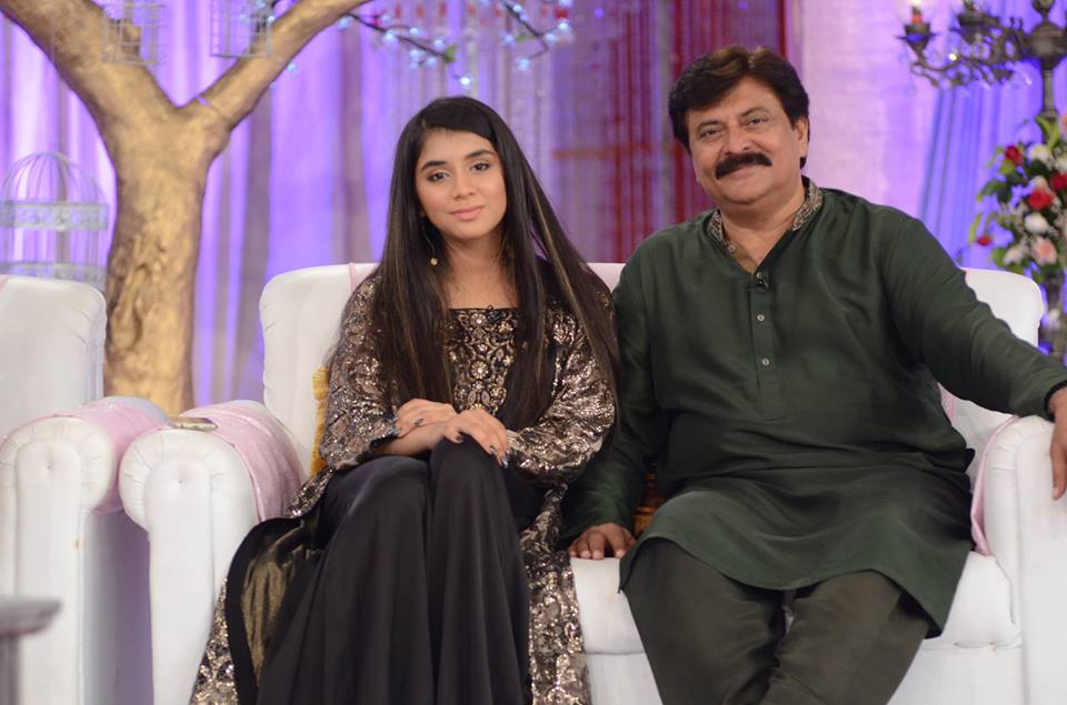 Latest Pictures Of Actor Shabbir Jan With His Beautiful Family