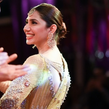 25 Beautiful Pictures Of Mahira Khan In Eastern Dress