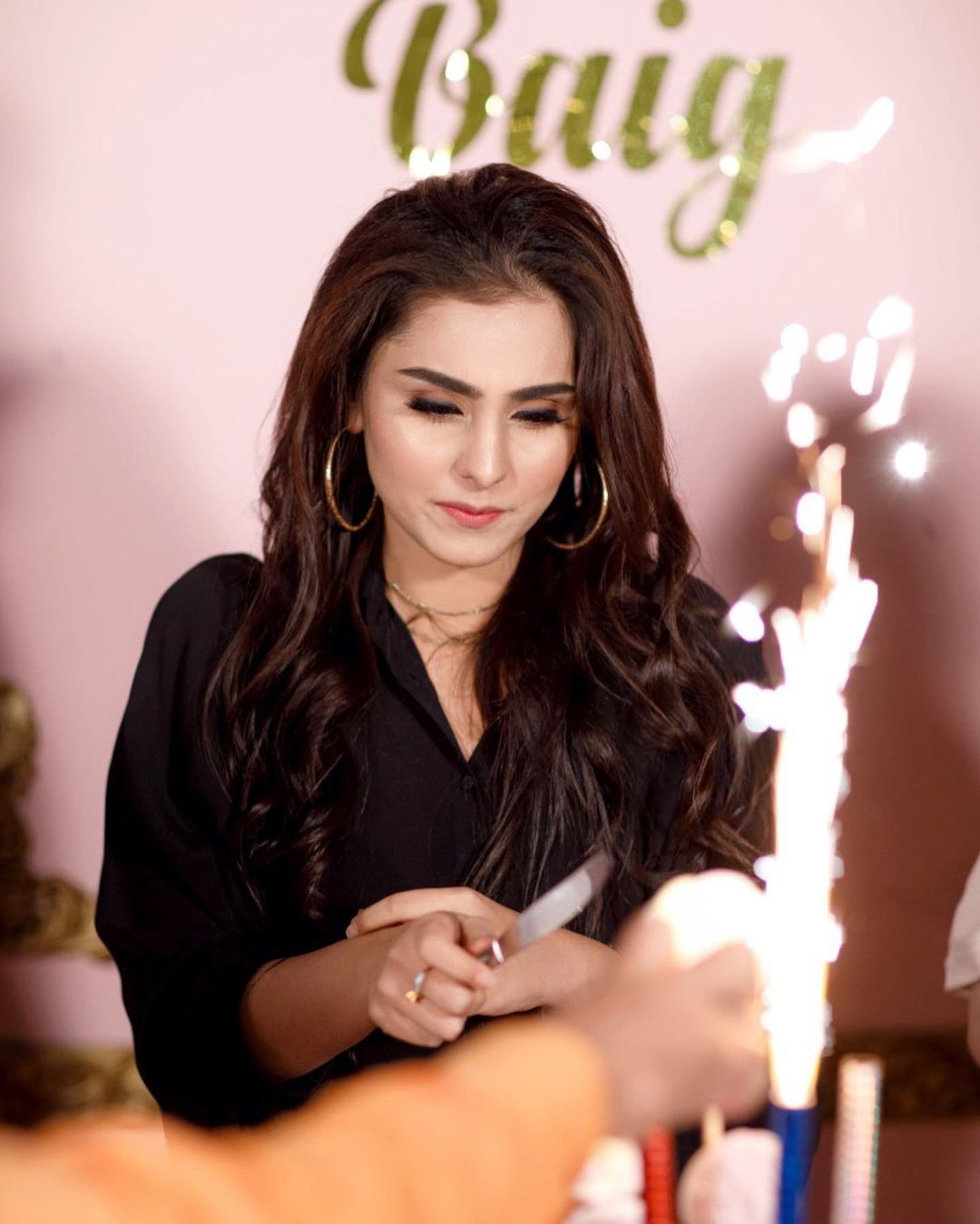 Aima Baig Spotted at her Sister Komal Baig Birthday Party