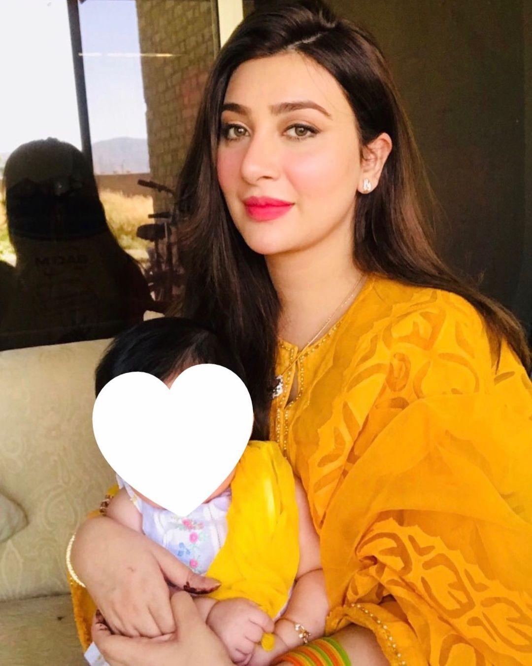 Aisha Khan Celebrating First Birthday of her Cute Daughter Mahnoor
