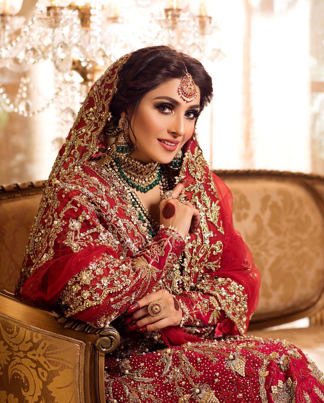 Beautiful Ayeza Khan Latest Bridal Shoot for Hifsa Khan Salon