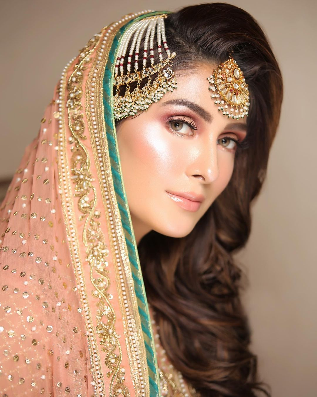 Ayeza Khan Beautiful Bridal Make Up Shoot for Zaras Salon