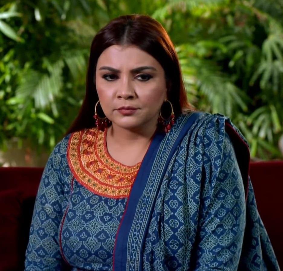 Faiza Hassan 11 6