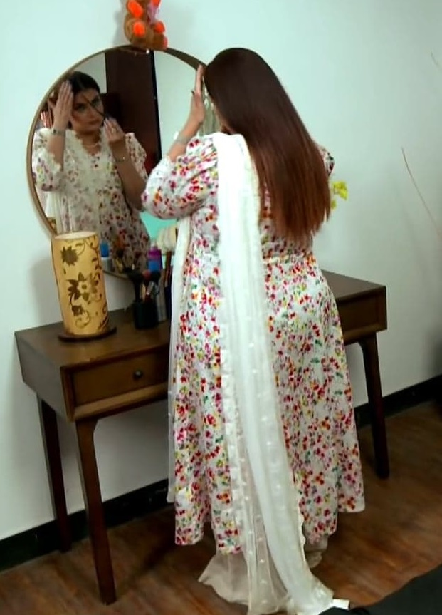Faiza Hassan 15 3