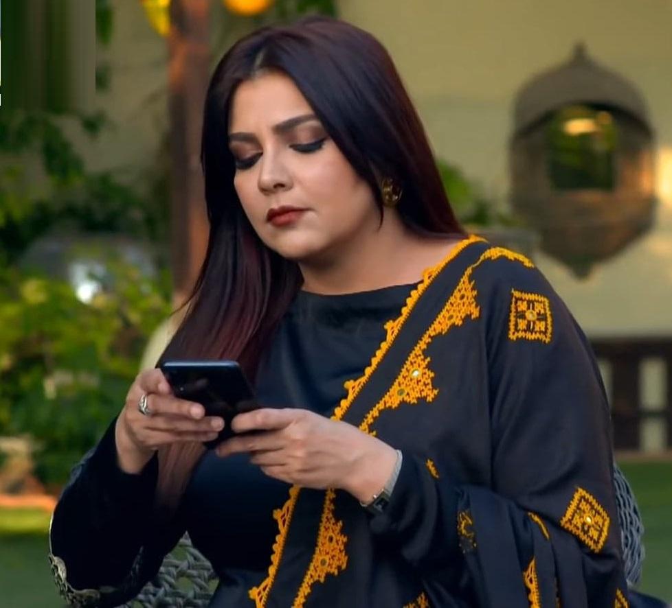 Faiza Hassan 2 5