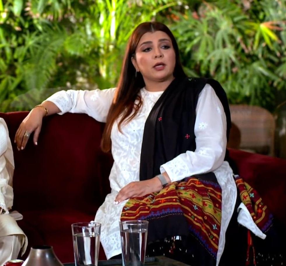 Beautiful Dresses of Faiza Hassan From Drama Serial Nand