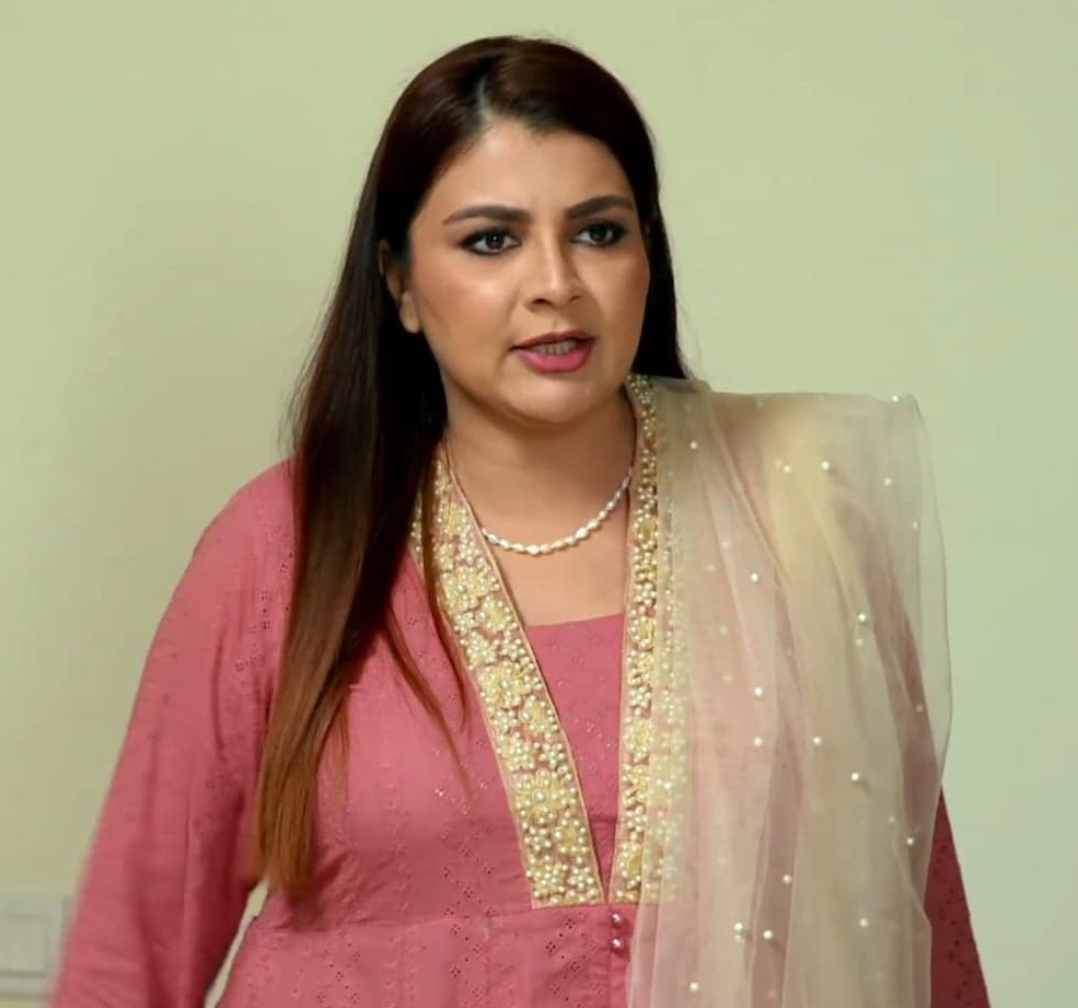 Faiza Hassan 21