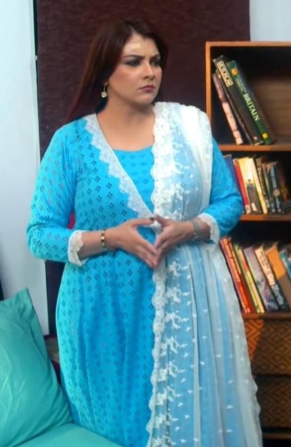 Faiza Hassan 26