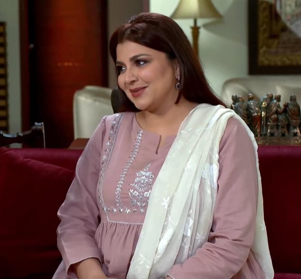 Faiza Hassan 5 3