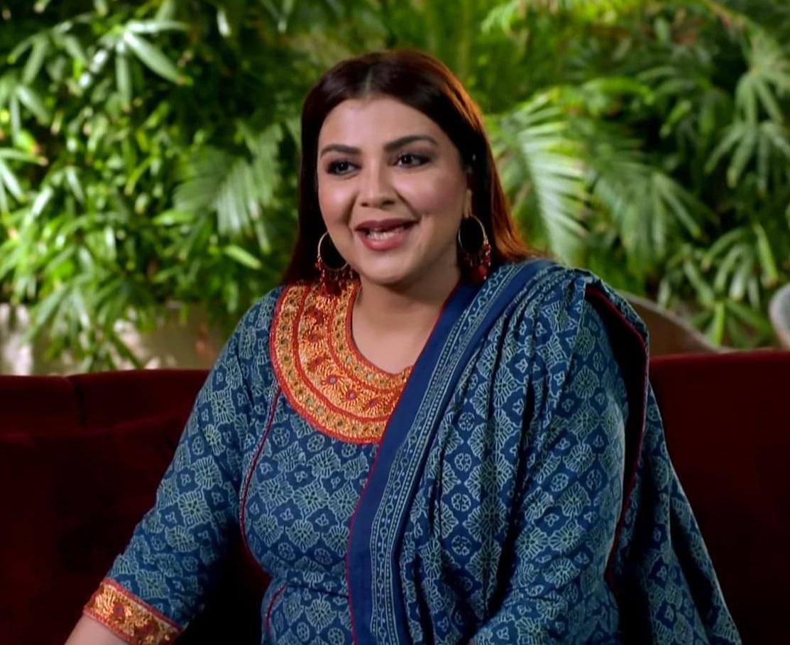 Faiza Hassan 8 6