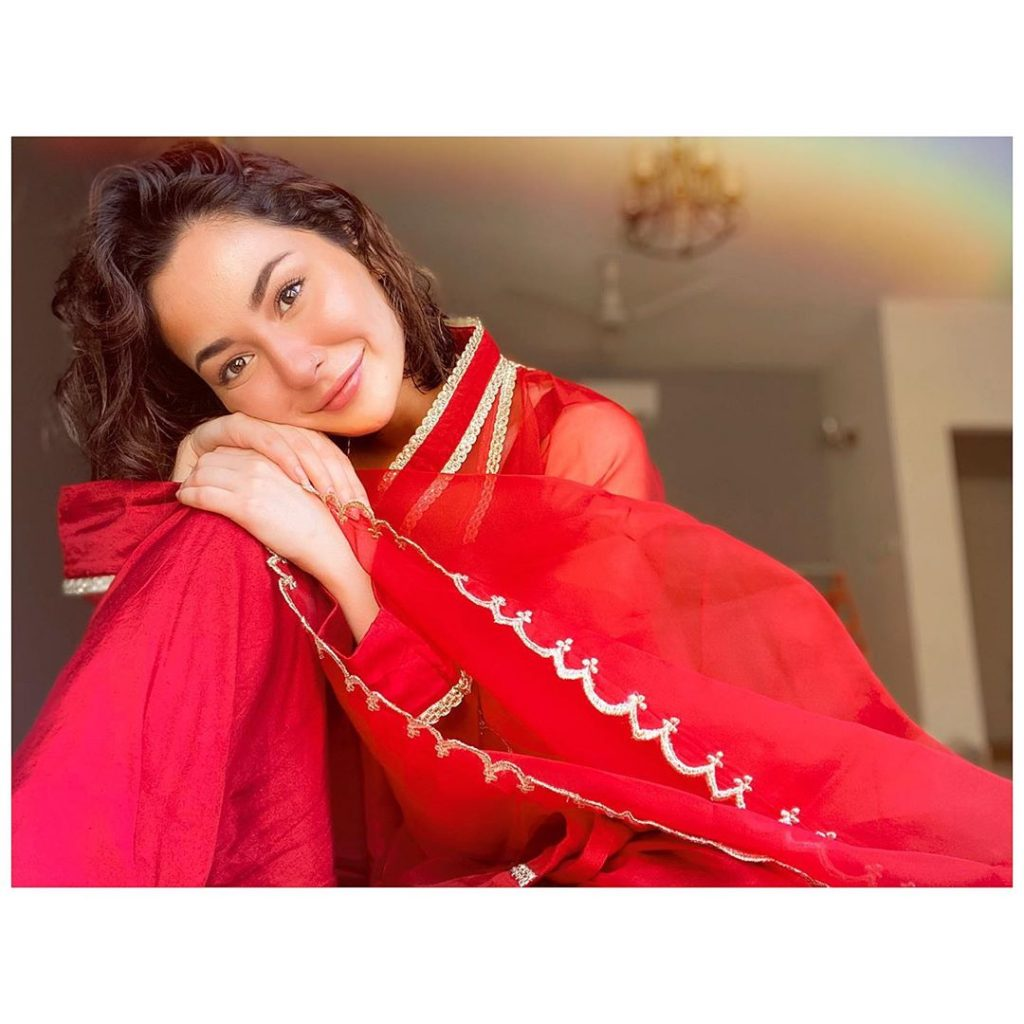 Hania Aamir Makes Us Fall In Love With Her Latest Cover