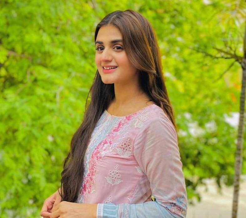 Pakistani Celebrities Who Keep Their Personal Lives Public