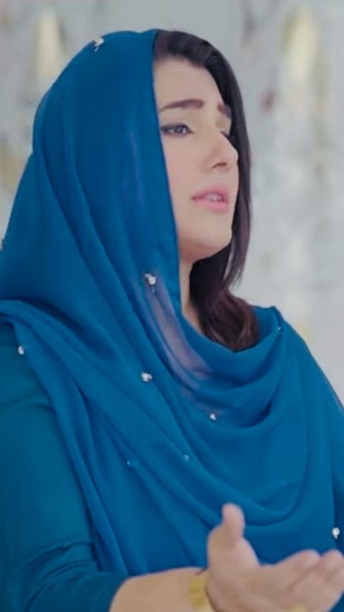 Javeria Saud Recites Naat In Her Soulful Voice