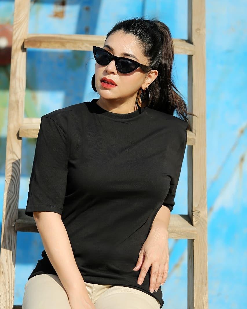 Singer Komal Rizvi Latest Beautiful Photos from USA