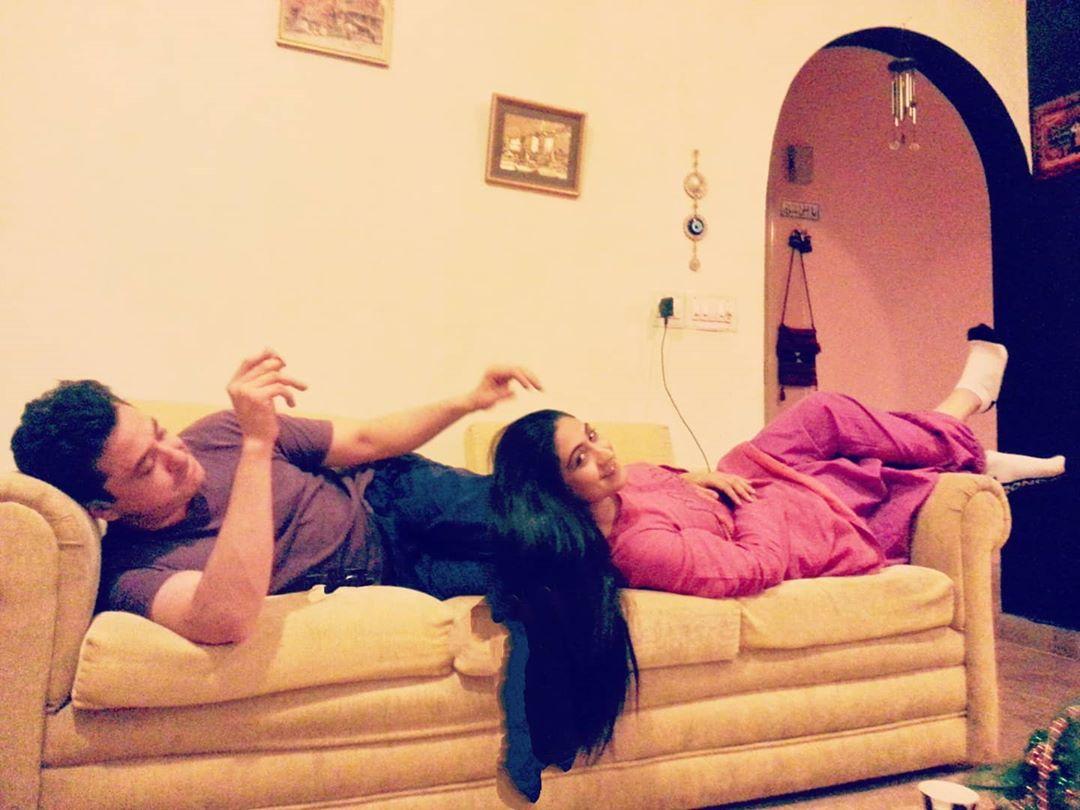 Beautiful Family Pictures of Actress Madiha Rizvi
