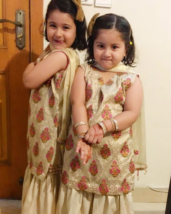 Actress Madiha Rizvi Latest Pictures with her Cute Daughters