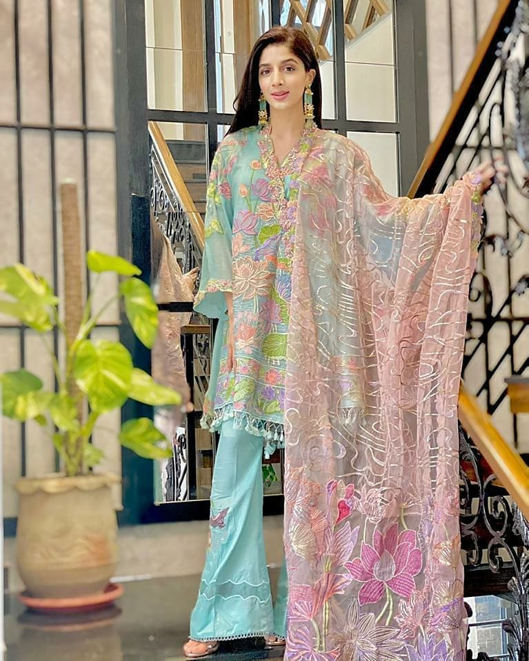 Mawra Hocane Shines In Dress By AmalTaas