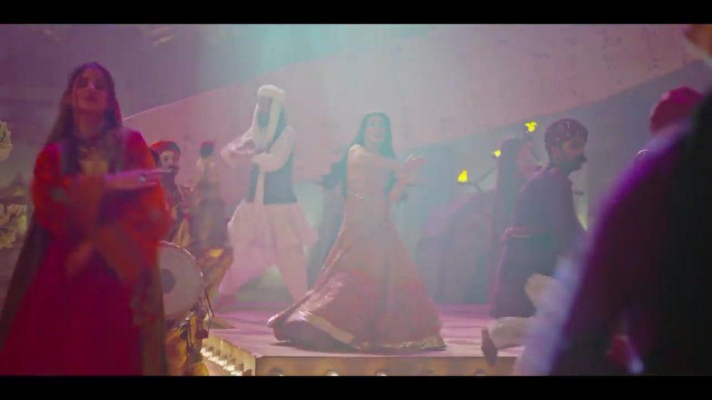 Mehwish Hayat Is Giving Major 'Desi Girl' Vibes In Latest TVC