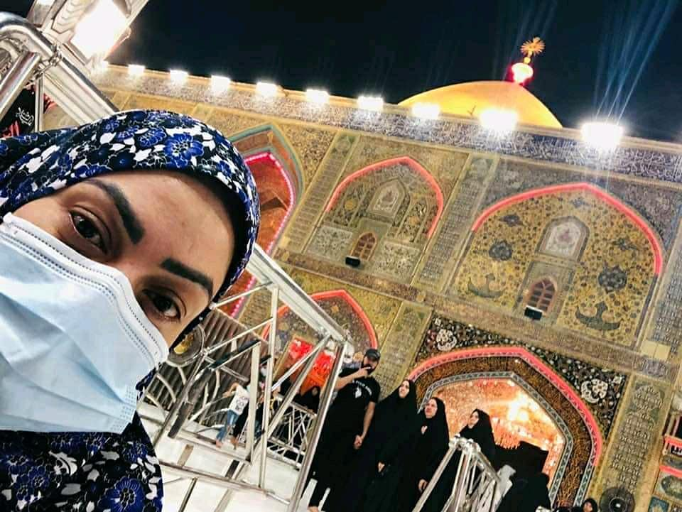 Actress Sadia Imam Shared New Pictures from Karbala on her Instagram