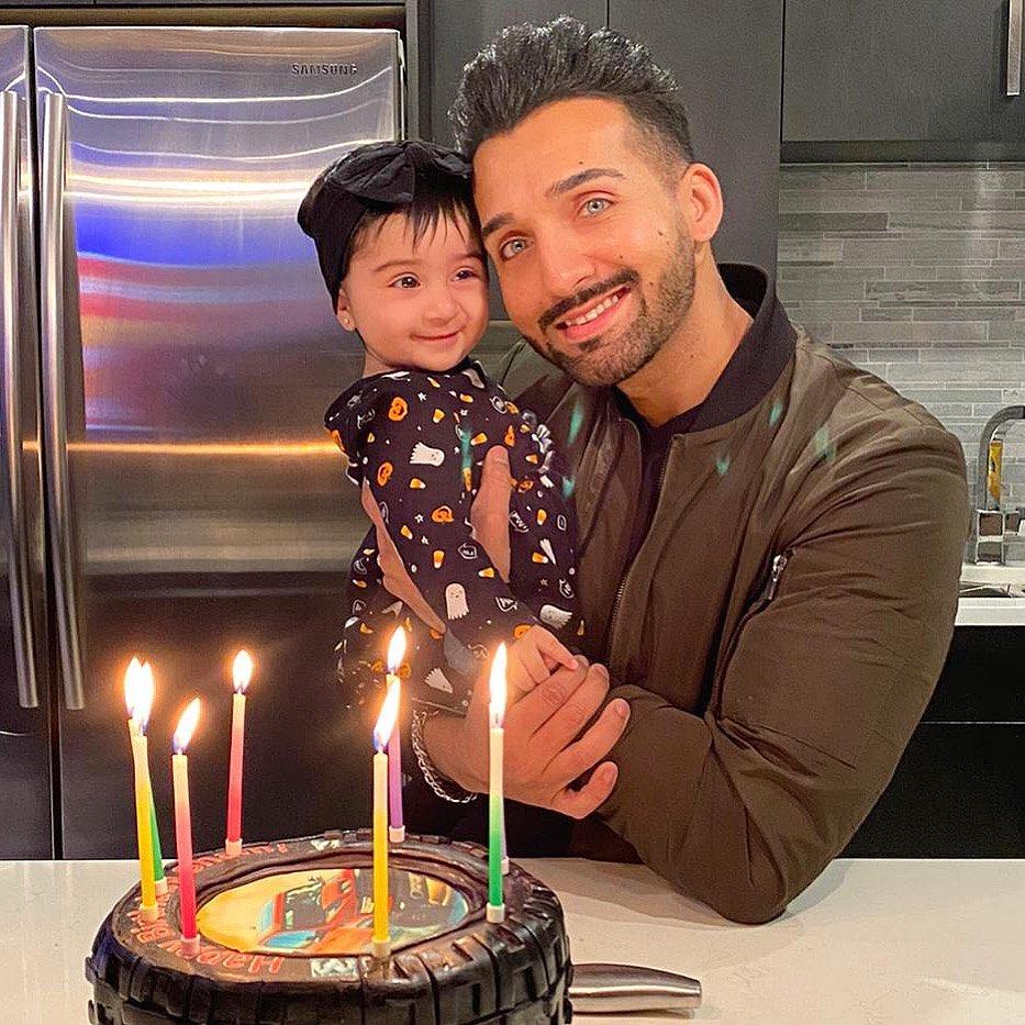 Sham Idrees Celebrated Birthday With Family 7
