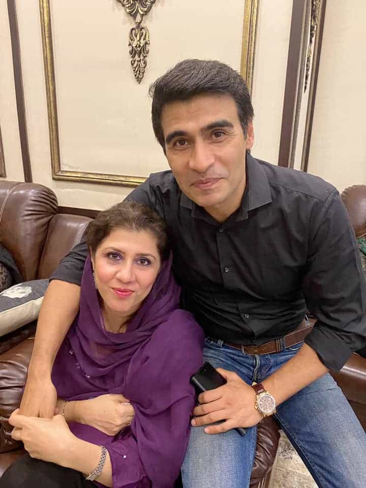 Beautiful Pictures Of Farhan Ally Agha And His Family